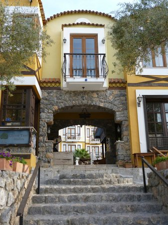 The Olive Tree Studios: The entrance to the hotel and restaurant