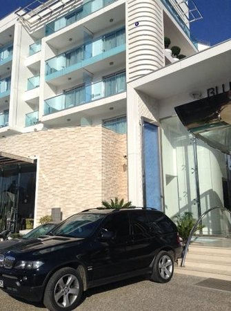Blue Bay Platinum Hotel: front view