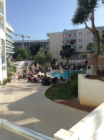 Blue Bay Platinum Hotel: relax pool