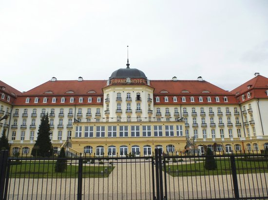 Sofitel Grand Sopot : Hotel Exterior. Beach Side