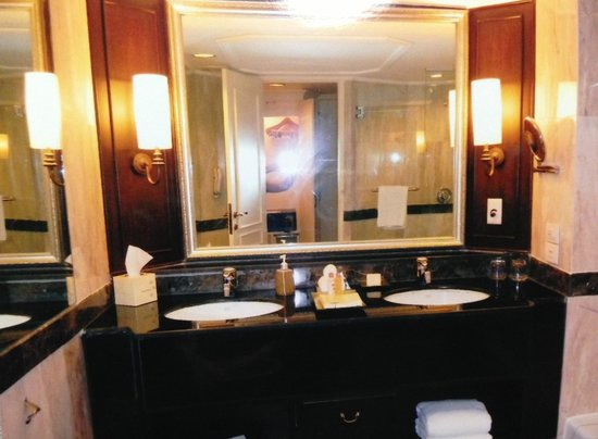Dusit Thani Bangkok : Room. 部屋!