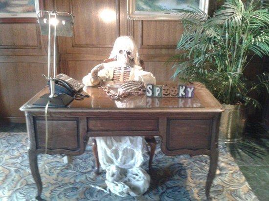 Santa Maria Inn: Spooky
