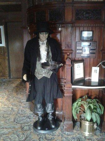 Santa Maria Inn: Welcome