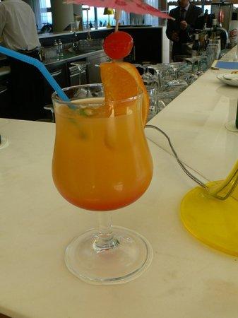 Breezes Cocktail Bar