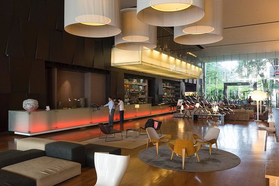 G Hotel Gurney : Moderne Lobby