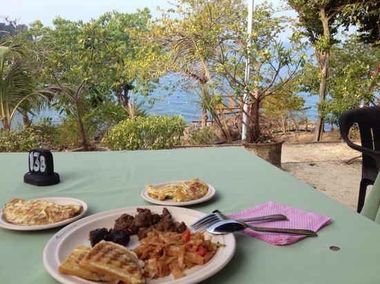 Shari-La Island Resort: Breakfast