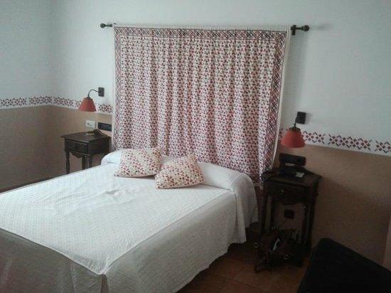 Hotel Cerro Del Sol: Cama de la habitación 1 Trujillo