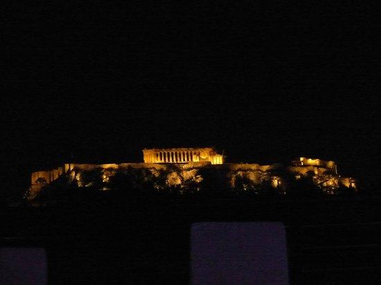 Melia Athens: Zicht op Acropolis vanaf zwembad