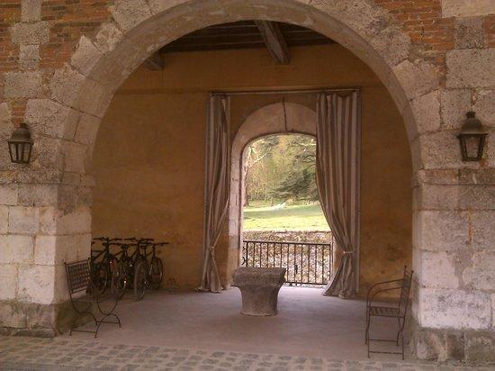 Château d'Etoges : Play area