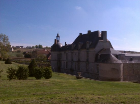 Château d'Etoges : View from the garden