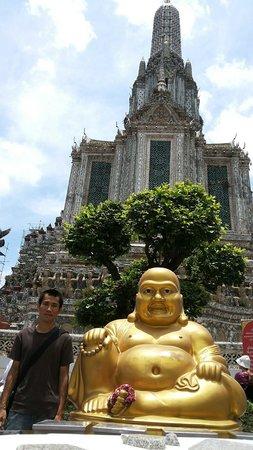 Wat Arun (Tempel der Morgenröte): เจดีย์สูง