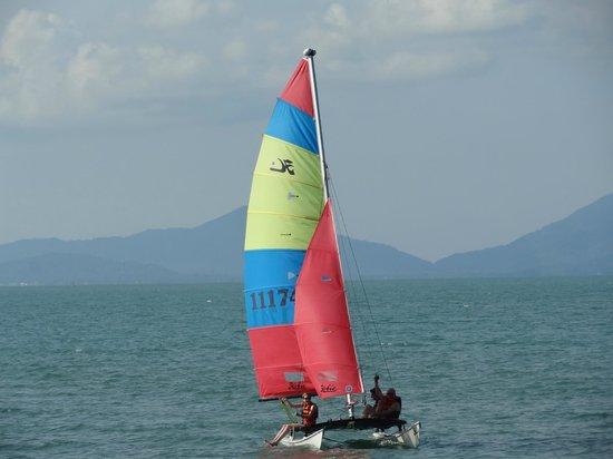 Santiburi Beach Resort & Spa : Gratis Segeln - Guter Wind