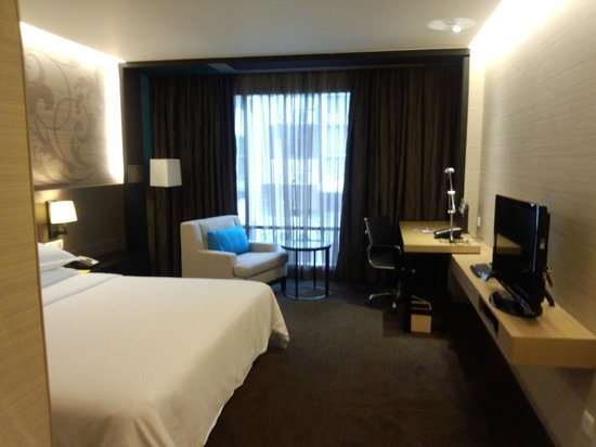 Four Points By Sheraton Bangkok, Sukhumvit 15: 部屋