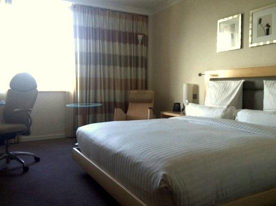 Hilton Düsseldorf: Standard king room