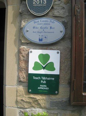 Olde Castle Bar: sign