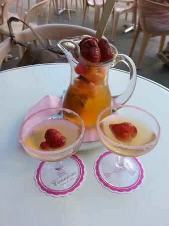 Canaletas: sangria (champagne) - 0,5 litre - about 9 euros