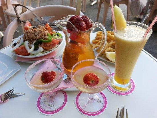 Canaletas: sangria (champagne) - 0,5 l -9 euros, tuna salad - 6 euros, calamares -6,5, fresh (size S)-6 eur