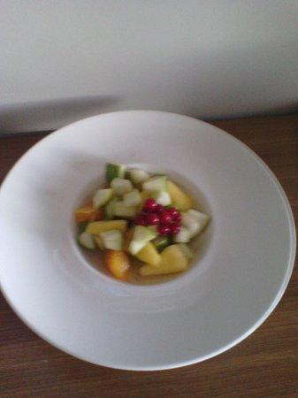 Mercure Côte Ouest Les Sables d'Olonne Thalasso et Spa : salade de fruits, fraîche