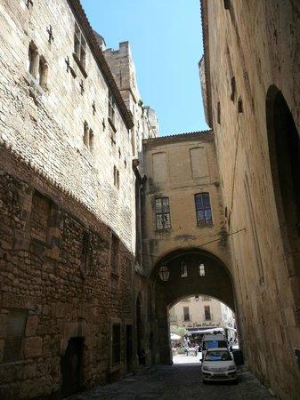 Palais des archevêques : Passage de l'Ancre, Narbonne, France