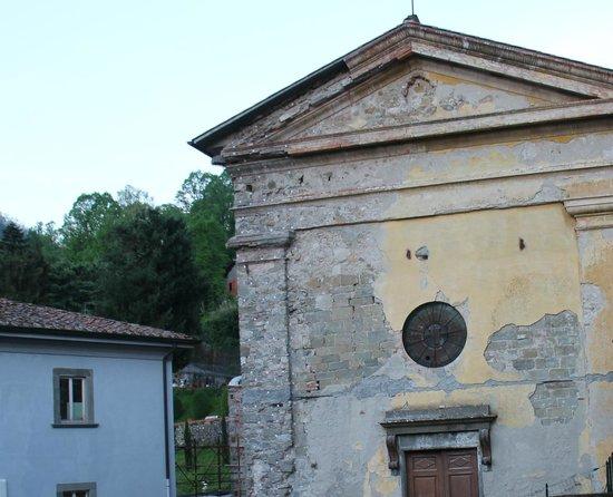 Hotel & Terme Bagni di Lucca : chiesa dissacrata