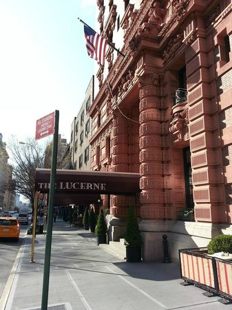 The Lucerne Hotel: Outside of Hotel