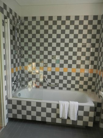 Daugirdas Hotel: Ванная