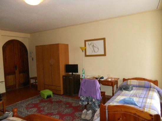 Hotel La Rocca: Interno camera n.115