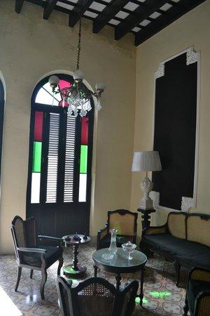 Casa Densil: Living room again