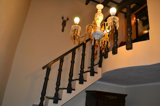 Casa Densil: stairs leading to a bathroom