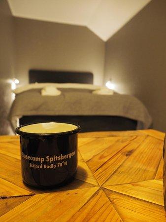 Isfjord Radio: The bedroom