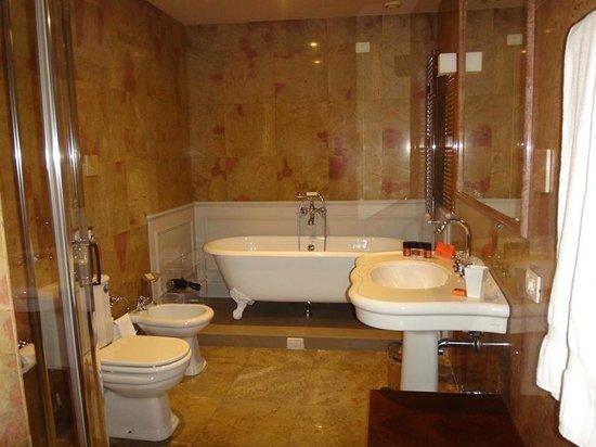 Palazzo Victoria: Bathroom