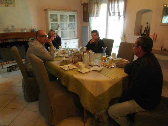 L'Ardiégeoise: Breakfast full of local produce