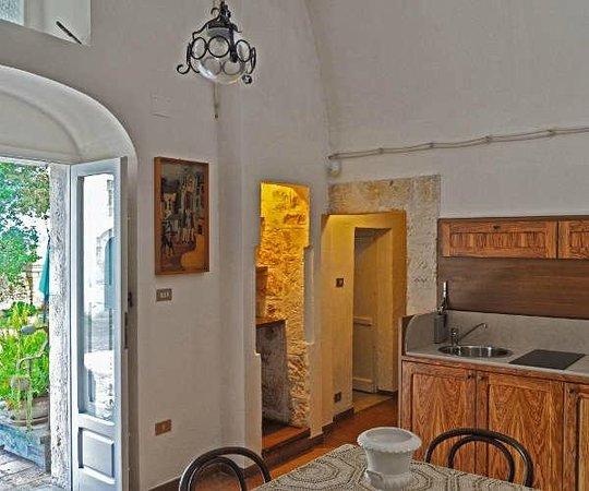 Appartamento Archi - Vista soggiorno con cucina - Foto di ...