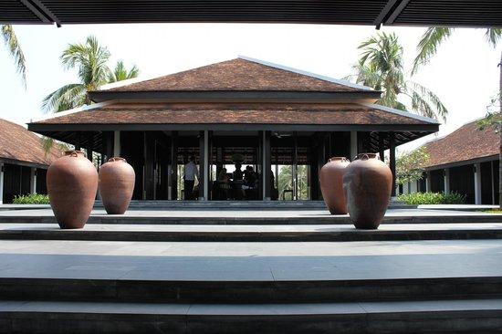 Four Seasons Resort The Nam Hai, Hoi An: ホテルフロント
