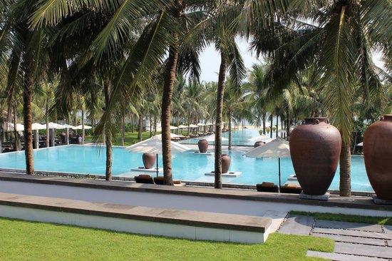 The Nam Hai Hoi An: 最上段プールサイドの東屋からの眺め