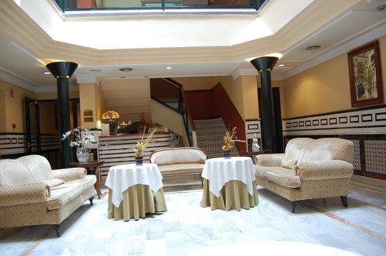 Hotel Cervantes : Reception
