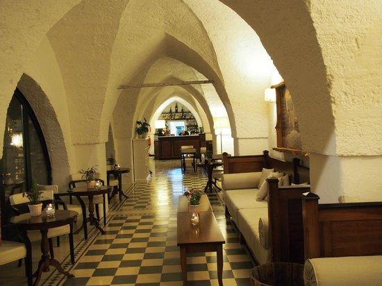 Masseria Torre Maizza : the cozy bar