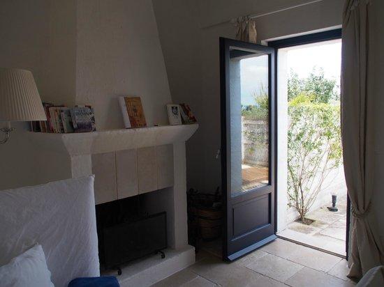 Masseria Torre Maizza : Junior suite nr. 14, door to the terrasse