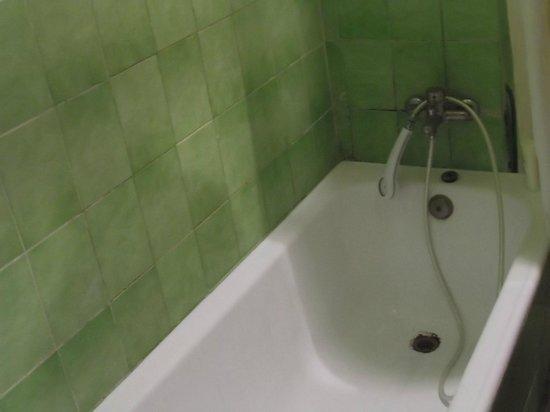 Kasbah La Fibule du Draa: baignoire