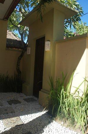 Jas Boutique Villas : villa door