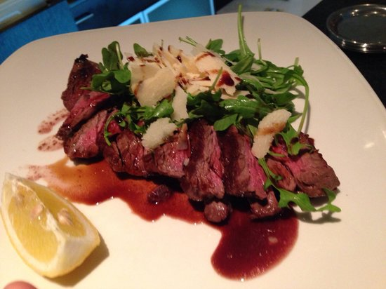 PARAPETT: Tagliata - grain-fed beef with aged balsamic