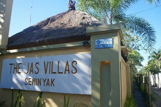 Jas Boutique Villas: entrance to villa