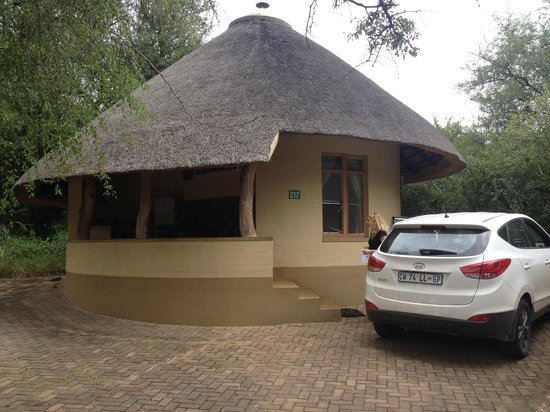 Skukuza Rest Camp: la chambre de l'extérieur