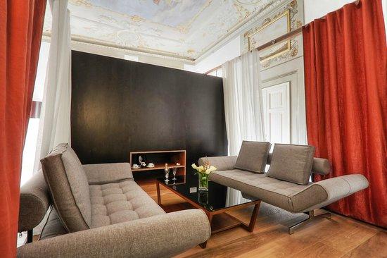Hotel Restaurant  La Scaletta: Living Room of Luxury Suite