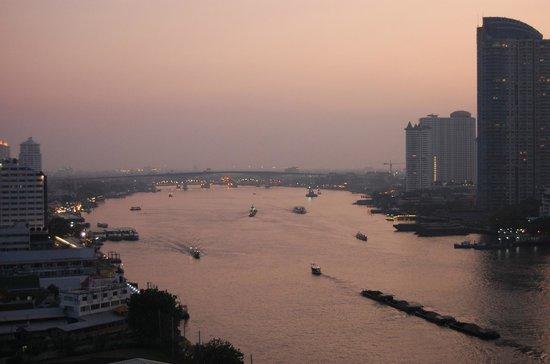 Chatrium Hotel Riverside Bangkok: view riverside