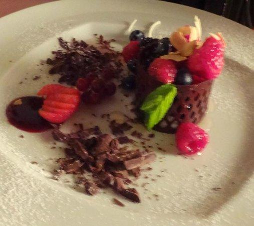 Castello Bevilacqua: Dessert (Very nice presentation)