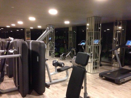 Pullman Phuket Arcadia Naithon Beach : Salle de fitness
