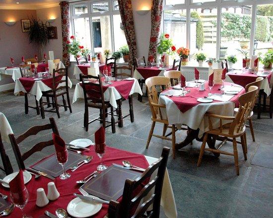 Restaurant at White Rose Hotel: Restaurant