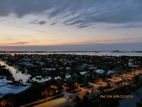 Palm Beach Marriott Singer Island Beach Resort & Spa: View from room