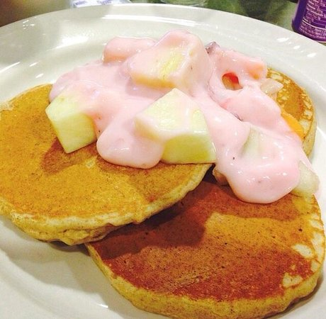Fairfield Inn & Suites Paramus: Gorgeous gluten free pancakes ��